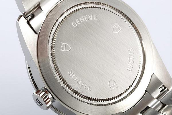 1万多的帝舵手表回收还能值多少钱?